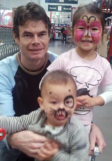 Free toddler face painting at Bunnings