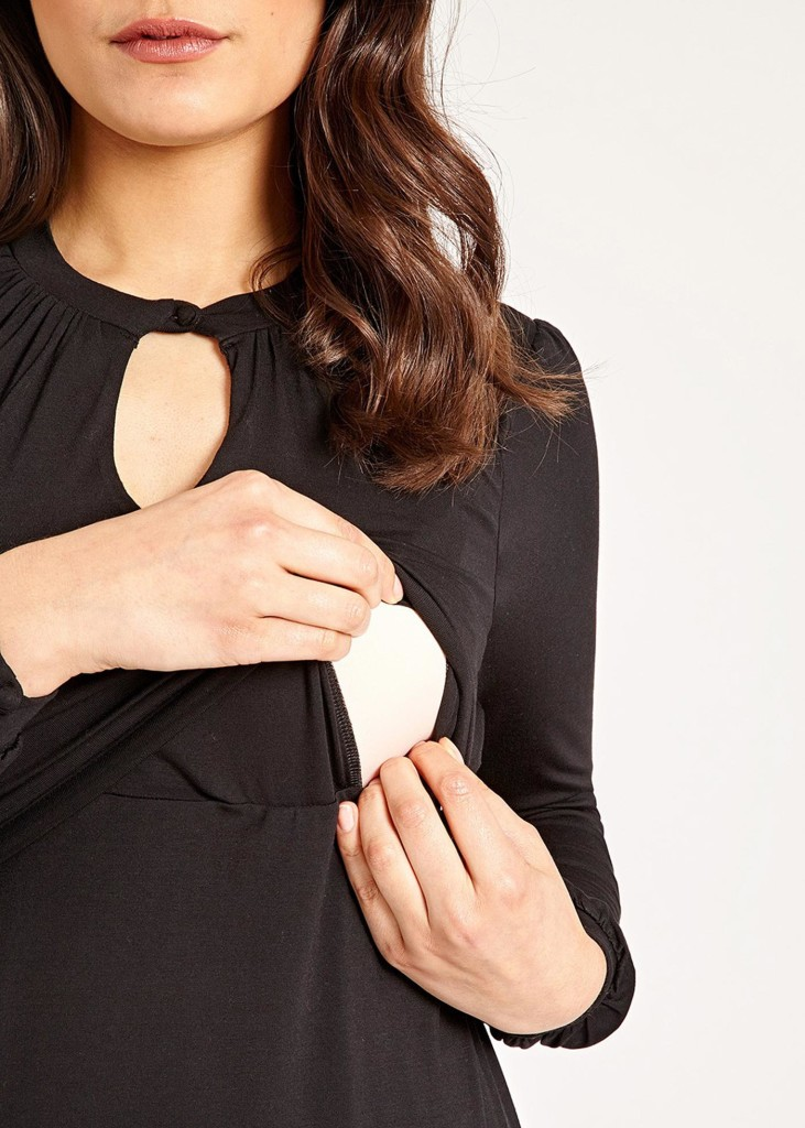 Easy, discreet breastfeeding access via the slits in the under layer.