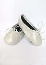Girls' white ballet shoes